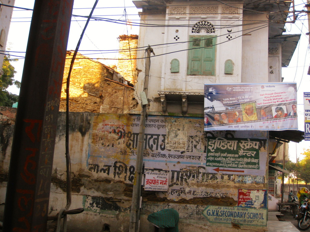 Graffiti in Udaipur hiding India's beauty