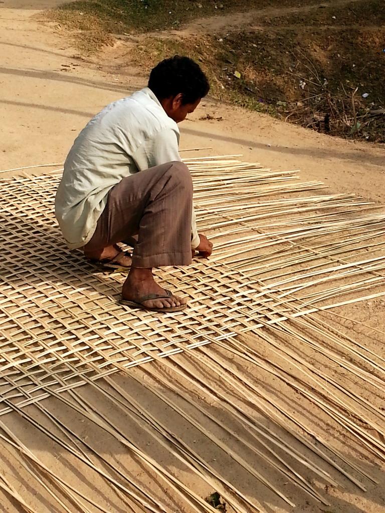weaving bamboo for basha